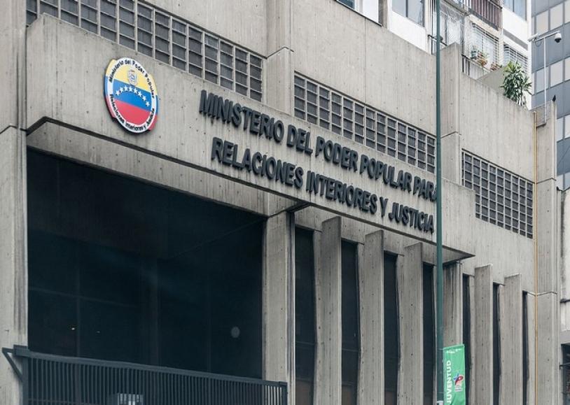 Gobierno confirma que grupo armado liderado por oscar for Ministerio de relaciones interiores y justicia